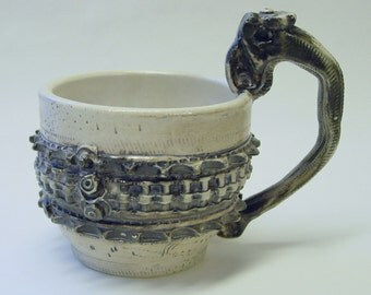 Frilled Gear Mug with Clutch Lever Handle