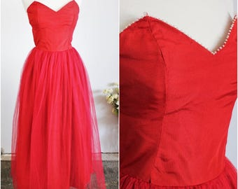 Vintage 1940s 1950s Red Tulle Dress With Pearl Trim / 40s 50s Fit And Flare Strapless Prom Dress Dress /  Full Skirt