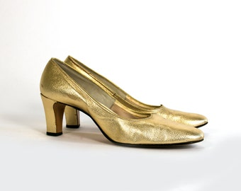 Vintage 1960's Metallic Gold Heels Women's Size 9 1/2 Made in Milwaukee, WISC USA Holiday/Christmas/Glam/Retro