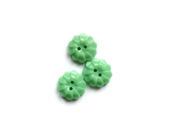 3 Tiny Green Flower Plastic Vintage Buttons, 12mm