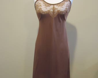 Vintage Vanity Fair Full Length slip, Brown slip, Women's lingerie, French lingerie, lace lingerie