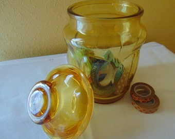 Amber Apothecary Jar with Plastic Stopper Lid