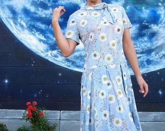 1950s 1960s floral DRESS drop waist shooting star daisy print metal zipper vintage // M / L