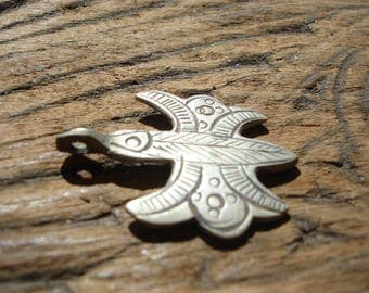 Moroccan zeed free man very small hand engraved pendant