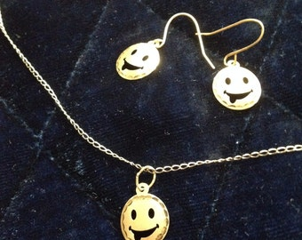 Smiles All Around! 14 k Solid Gold Pendant, Necklace, Earring set