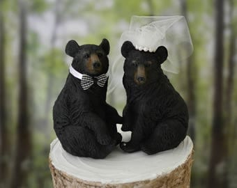 Black bear bride and groom wedding cake topper animal bear country woodland hunter hunting themed bear hunter bear lover Mr Mrs bear wedding