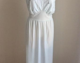 "Vintage 1950s Women's Faerie Nightie Nightgown Light Blue 42"" Bust 14 16"
