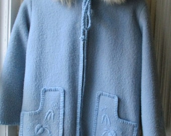 ON SALE Girl's Vintage Grenfell Coat / 1970s Baby Blue Melton Wool Parka  with Fur Hood / Kanata Duffle / Made in Newfoundland / GIrls Size