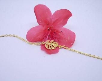 Gold Philodendron Leaf Bracelet. Tropical. Monstera leaf. Jungle. Nature. Botanical. Tropical leaf jewellery