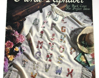 """Counted Cross Stitch booklet """"Antique Floral Alphabet"""" Beautiful quilt patterns"""