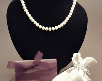 Classic white freshwater pearl necklace, pearl necklace, wedding pearls, wedding jewelry