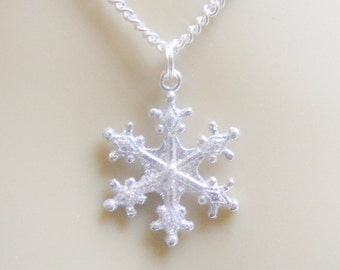 Snowflake Necklace, Christmas Necklace, Snowflake Pendant, Snow Flake Necklace, Christmas Jewelry, Xmas Jewelry, Christmas Jewellery, Winter