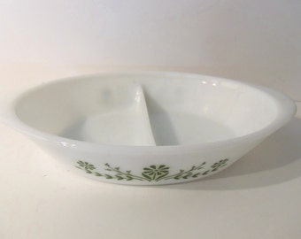 Daisy Flower Glasbake Divided Casserole/Serving Milk Glass Dish J2352  *Price Includes Domestic Shipping