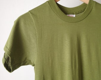 vintage OLIVE fitted basic super soft Mid-Century t-shirt top