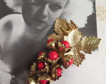 Vintage Trembler Brooch - Grape Brooch - Czechoslovakian Brooch - Vintage Red Brooch - Red and Gold Brooch - 1930s Art Deco Czech - Bohemian