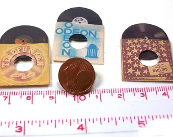 3705# 3 Miniatue records in nostalgic covers - Doll house miniature in scale 1/12