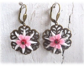 pink Chrysanthemum - earrings dangle vintage style with flower resin cabochon