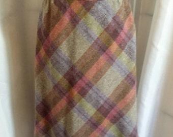 Shop closing Vintage skirt 70s wool plaid skirt diagonal plaid skirt