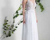 Bohemian wedding dress, flowing wedding dress, beach wedding dress, lace boho wedding dress, boho bride wedding dress, white boho wedding