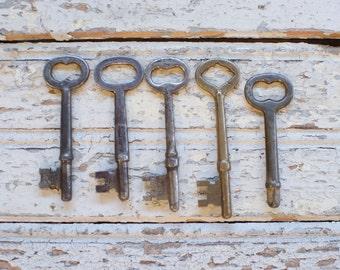 Antique Skeleton Key, group of antique skeleton keys, rusty keys, ornate keys, home decor, art projects