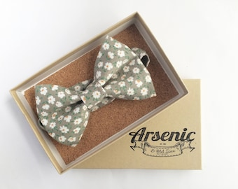 Floral bow tie | mens bow tie | green bow tie | boys bow tie | toddler bow tie | vintage bow tie | womens bow tie | gifts for men