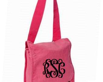 Flamingo Monogrammed Messenger Bag/Personalized Messenger Bag/Canvas Messenger Bag/Womens Messenger Bag/Crossbody Bag
