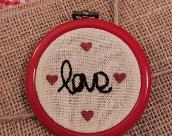 Love Embroidery Hoop Art // Love writing Hoop Ornament - Wall Decoration – Emotion Ornament