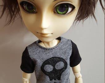 Black and grey skull T-shirt for Taeyang doll