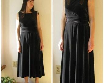 Vintage 80s Sleevless Black Velvet Dress /1980s Velvet Evening Dress /Size 12 P