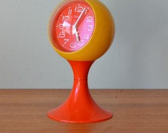 Retro Tulip base Tradition Alarm clock West Germany Space Age plastic fantastic west german