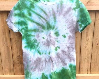 Unisex Tie Dye T-shirt Shirt Shibori  Men Woman Kelly Green Gray Grey Boho Hippie Chic by The Wild Willows