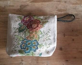 Traveler pouch , pochette bag, vintage fabric , vintage fabrics, beauty case, hand bag,  clutch