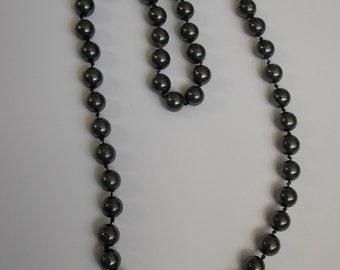 Vintage 60s hematite beads necklace