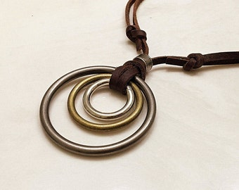 Unisex Leather Necklace. Auto-adjustable Neckalce. Brown Leather Necklace. Triple Ring Pendant. Adjustable Leather Cord. #C43