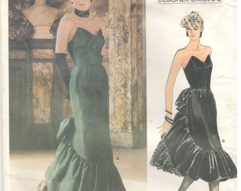 Vogue 1471 Size 10 Vogue Designer Bellville Sassoon sewing pattern. Womens strapless gown with princess seams, skirt with attached petticoat