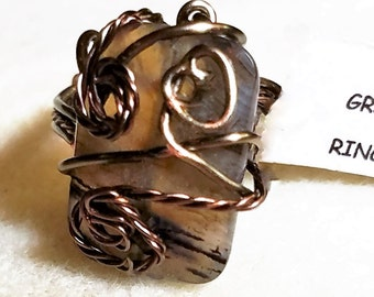 GR55 Brown tone oblong ring, with bronze wire, size 8