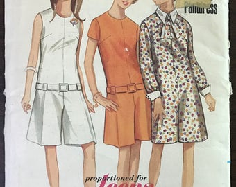 Butterick 4496 - 1960s Skimmy Pantdress with Contrast Pointed Collar Option - Size 12 T Bust 32