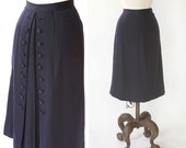 ON RESERVE >>> vintage 1940s skirt <> 1940s navy blue skirt <> 40s skirt with decorative back buttons