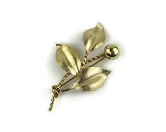 Van Dell Flower Brooch