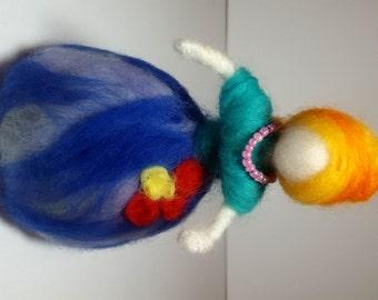 Needle felted sculpture doll, poupée, waldorf style, nursery, decoration, baby shower, felt, feutre, handmade, gift, cadeau, kids, baby room