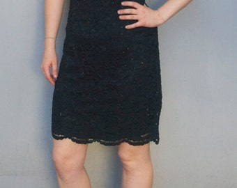 Vintage 1990's black scalloped lace sequinned dress with scoop neckline size 12