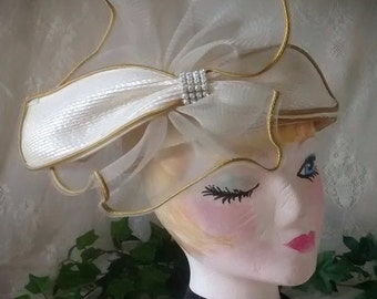 Ladies Vintage Pillbox Hat in Ivory Straw with Huge Bow