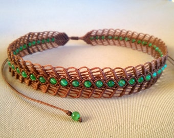 Sunrise in Athens - macrame necklace / choker with green cat eye  beads