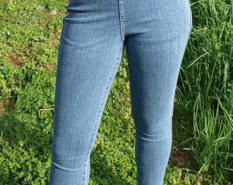 Vintage 90s High Waisted Stretch Denim Mom Jeans