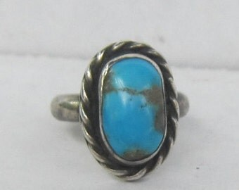 Vintage Native American Southwestern Sterling Silver Ring with Turquoise  = Size 3.25       0172
