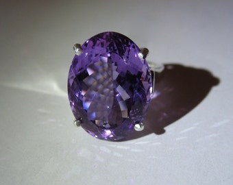 Rock Size Natural Light Violet Amethyst Cocktail Ring In Sterling Silver, 18.77ct. Size 7.25