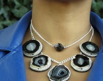 Black statement necklace, chunky necklace statement, black necklace, black bib necklace, stone bib necklace, black druzy gemstone necklace