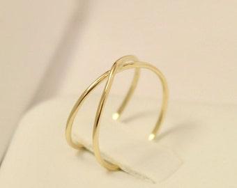 14k infinity knot ring, 14k infinity ring, 14k eternity ring, 14k mobius ring, 14k promise ring, 14k engagement ring, 14k crisscross ring