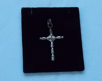 Sterling Silver Cross Pendant.  (549)