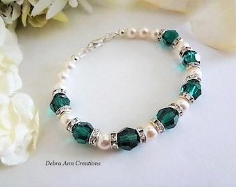 Emerald Crystal Bracelet Pearl Bridal Bracelet Emerald Wedding Bracelet Bride Bracelet Bridesmaid Bracelet Mother of Groom Bride Jewelry